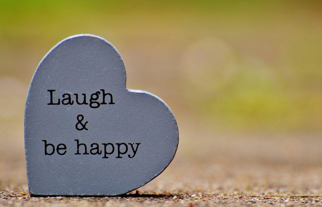 szív felirattal nevetés, vidámság