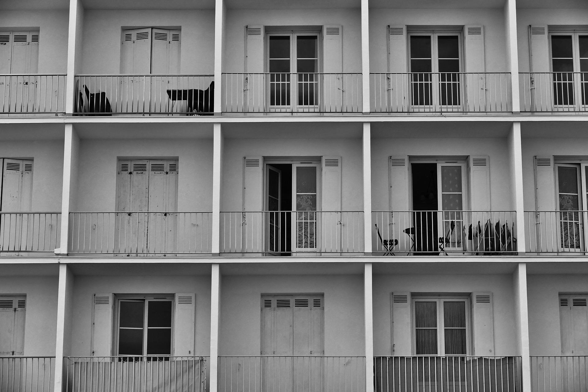Lakótelep, erkélyek