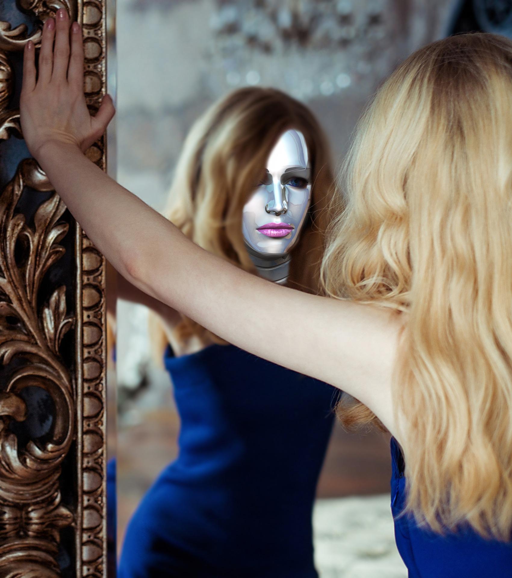 Egy nő tükör előtt, a tükörképén maszk van